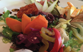 Nosh Wine Lounge: Striving to provide consistent, excellent service