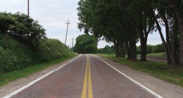 Finding the Food: Lincoln Highway and Elkhorn