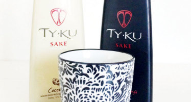Let's Drink Sake Everyone!
